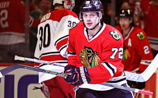 Blackhawks hold on, Maple Leafs overcome Devils