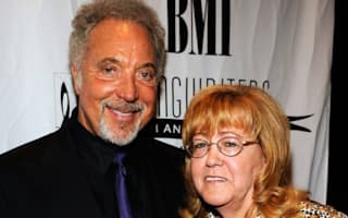 Sir Tom Jones's wife of 59 years dies