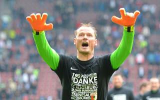 Liverpool goalkeeper Manninger to retire