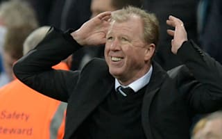 Newcastle players rally behind McClaren