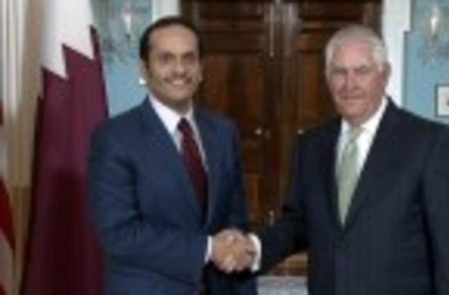 Tillerson meets Qatari foreign minister amid boycott