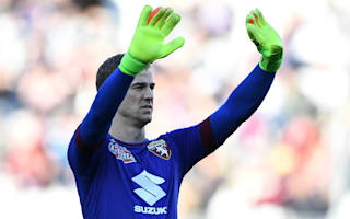 Hart yet to discuss future with Manchester City