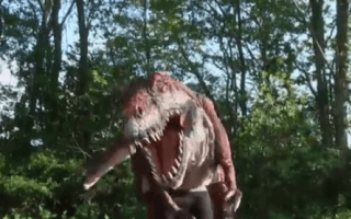 T-Rex dinosaur prank terrifies passersby in park (video)