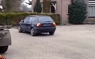 Video: How to remove a car engine in one simple step