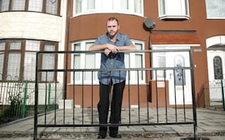 Hull City Council fences off man's drive
