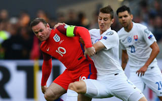 Southgate demands Rooney stays in position