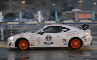 Driver drifts Toyota GT86 for two hours and 25 minutes