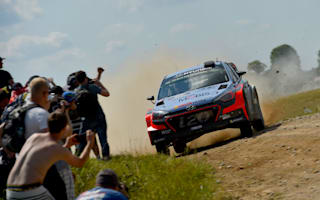 Slender Rally Poland lead for Neuville