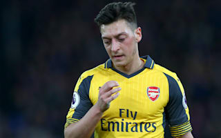Ozil puts off contract talks to focus on rescuing Arsenal season