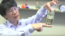 Aquí una divertida explicación de por qué no puedes atrapar un billete con los dedos