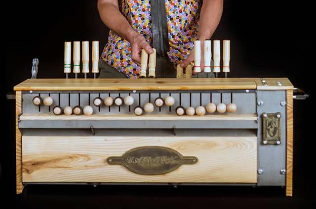 Carmen, la máquina de bulerías con corazón Arduino