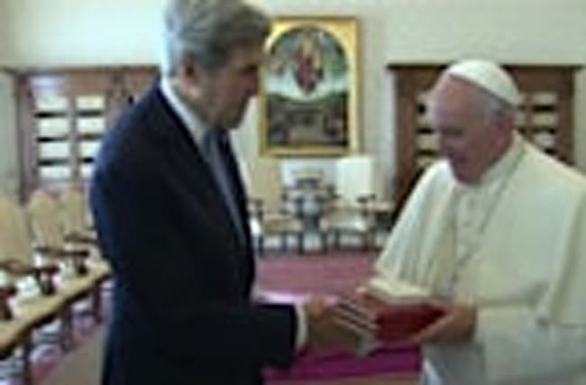 Pope Francis meets Kerry ahead of Rome talks