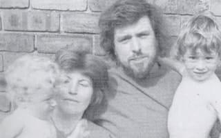 Ricky Tomlinson appeals for son's photo to be returned