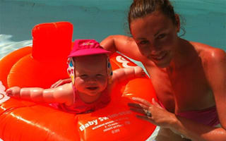 Michelle Heaton tweets cute holiday pics on girly break with her daughter