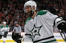 Eaves leads Stars to another win, Caps extend streak