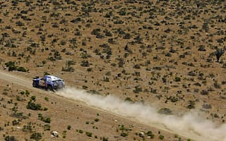 Volkswagen continues with triple Dakar lead