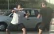 El vídeo viral del día lo protagonizan dos hombres peleando a lo Street Fighter en una rotonda