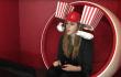 Der ultimative Popcorn-Helm: Konstant knabbern dank Robofütterung