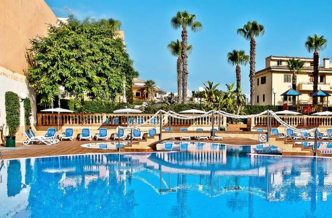 288 € – Mallorca: 6 Tage Badeurlaub inkl. HP & Flug, -140 €