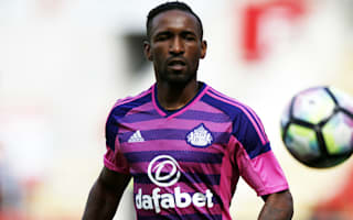 Sunderland hopeful Defoe will be fit for Man City opener