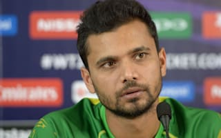 Mortaza attempting to rally wounded Tigers