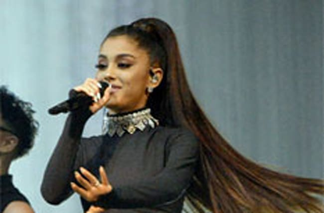 Ariana Grande vows to perform charity gig in Manchester