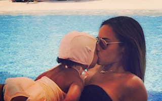 Rochelle Humes poses with daughter on holiday in Dubai