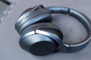 Los nuevos auriculares de Sony con cancelación de ruido te aislan del mundo
