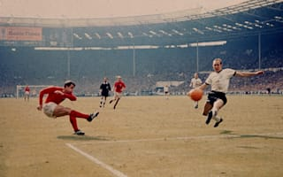 Hurst's 1966 World Cup final shirt goes unsold at auction