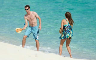 Love match! Andy Murray and Kim Sears play beach tennis in Bahamas