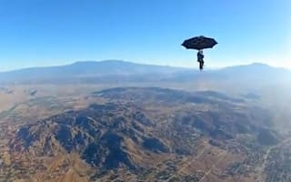 Video: Daredevil performs Mary Poppins-style skydive with an umbrella