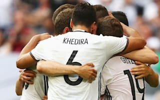 Hitzfeld labels Germany 'absolute favourites'