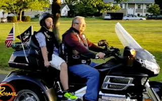 Bikers help bullied teenager on first day of school
