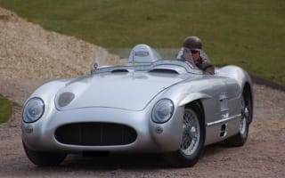 Mercedes-Benz 300 SLR recreation tops auction bill