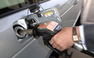 French blockade triggers UK petrol price hike