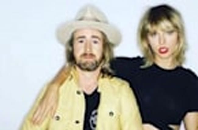 Taylor Swift Debuts New Hairstyle & Parties With Gwyneth Paltrow & More
