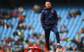 Giggs gambles on United road taking him home
