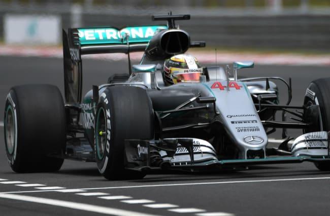 Verstappen splits Mercedes duo in final practice