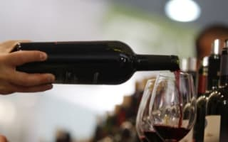 France calls for summit over wine tax threat