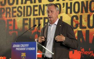Cruyff 'feels 2-0 up' in cancer battle