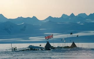 Thousands of Brits apply for jobs in the Antarctic