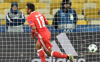 Dynamo Kiev 0 Benfica 2: Portuguese champions cruise to first group victory