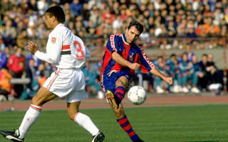 Stoichkov 'broken' by Cruyff death