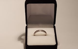 Join Valentine's treasure hunt to find £1,000 ring