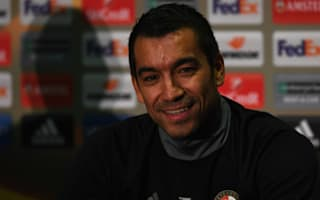 Van Bronckhorst expects greater United threat