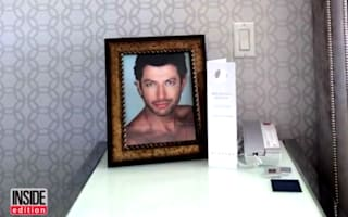 Guest asks for pictures of Jeff Goldblum in room, hotel obliges