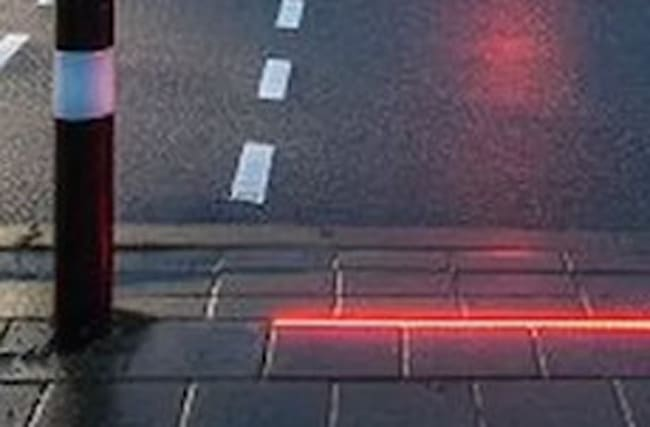 Dutch town installs street-embedded traffic lights for texters