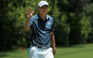 Spieth grabs lead at Colonial