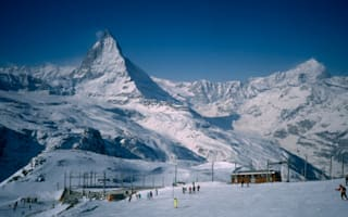 Two British skiers killed in separate accidents in Swiss Alps
