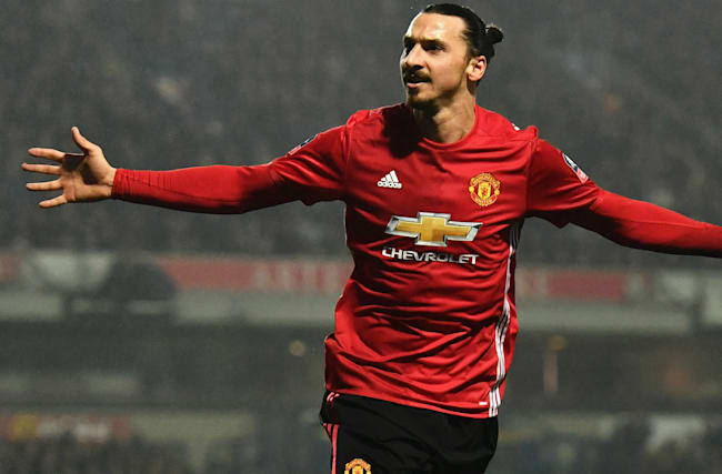 Rivals scared of Ibrahimovic, says United team-mate Herrera